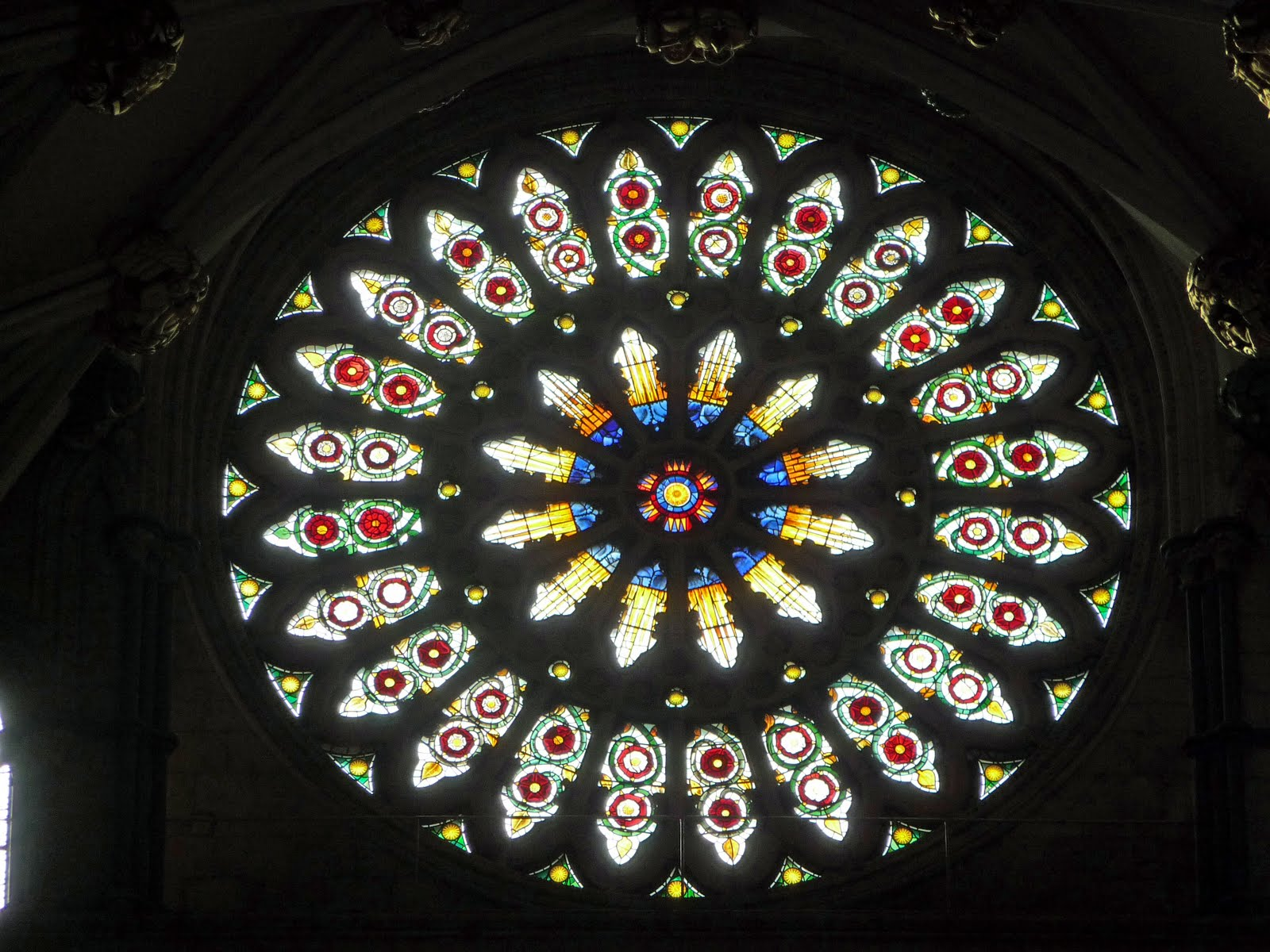 Tour york minster england scottish tour guide 39 s blog for Rose window york minster